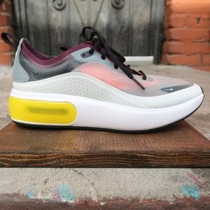 Nike Shoes - Nike Air Max DIA SE QS Womens Shoe